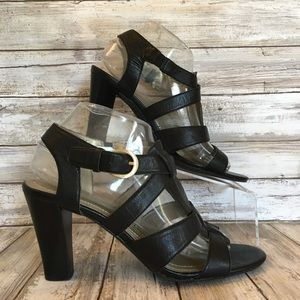 Tahari 8.5m Mickey Black Leather Strappy Sandals.
